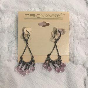 Trovare dangling earrings